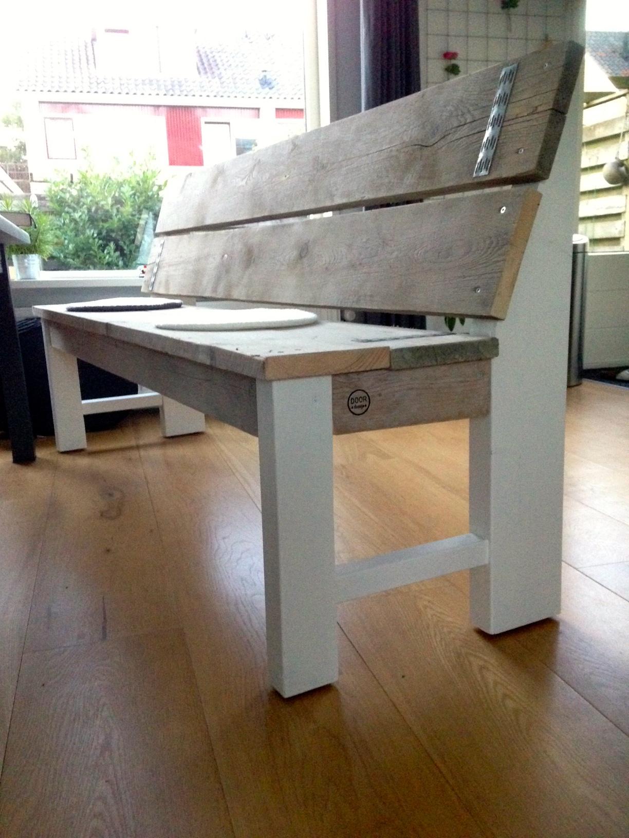 Hout doordesign for Steigerhouten eettafel bank